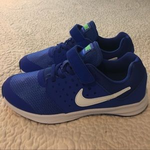 Boys Nike Downshifter 7